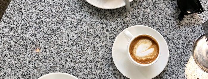 Tokki Café is one of Tempat yang Disimpan Karen 🌻🐌🧡.