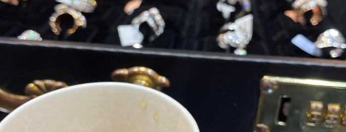 المضيّان للذهب والمجوهرات is one of Locais curtidos por Nawal.