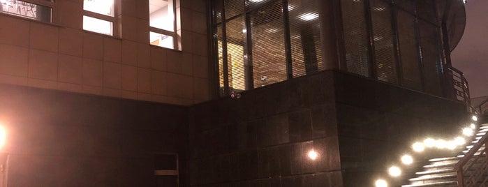 Клинический госпиталь на Яузе is one of สถานที่ที่ Tiffany ถูกใจ.