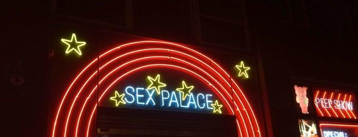Sex Palace Peep Show is one of Locais curtidos por Stanislav.