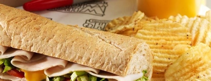 Which Wich? Superior Sandwiches is one of Para comer.