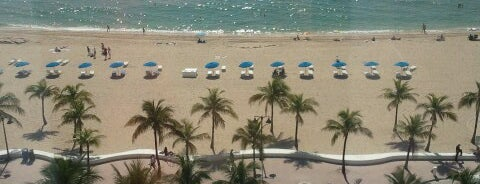 Courtyard Fort Lauderdale Beach is one of Lugares favoritos de Winnie.