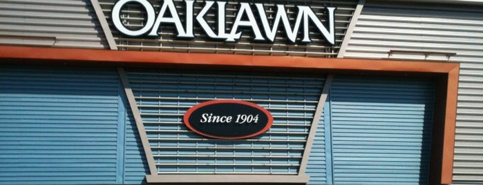 Oaklawn Racing & Gaming is one of Kevinさんのお気に入りスポット.