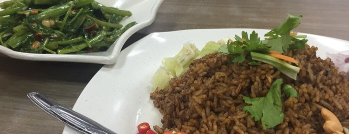 Bahn Beer Thai Restaurant is one of Good Food Places: Hawker Food (Part I)!.