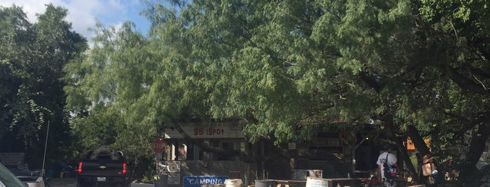 Guadalupe Canoe Livery is one of Tony'un Kaydettiği Mekanlar.