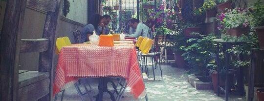 Doruk Cafe is one of İstanbul - Yeme İçme Eğlence.