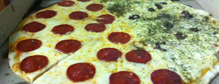Pizza Urbana - Centro is one of Restaurantes & Bares.