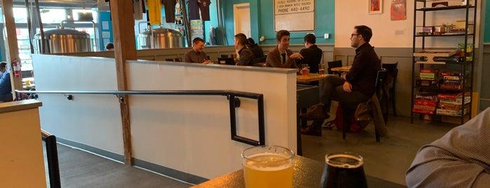 Floating Bridge Brewing is one of Orte, die Daniel gefallen.