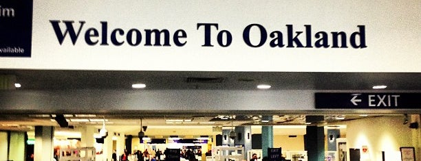 Oakland International Airport (OAK) is one of Aeroporto.