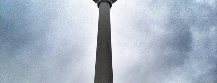 Torre della televisione di Berlino is one of Berlin to-do list.