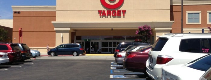 Target is one of Locais curtidos por Helen.