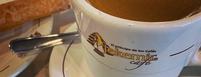 Jekemir Café is one of Lugares favoritos de Jellou.