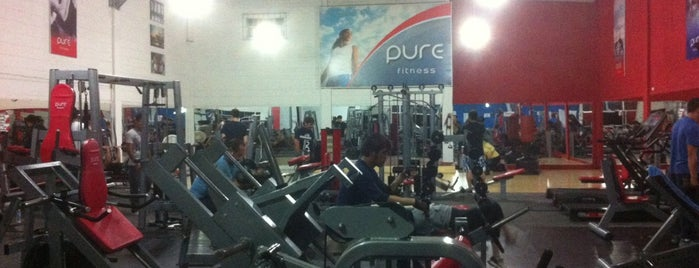 Pure fitness is one of Lugares favoritos de Chix.