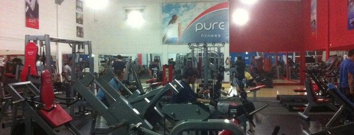 Pure fitness is one of สถานที่ที่ Chix ถูกใจ.