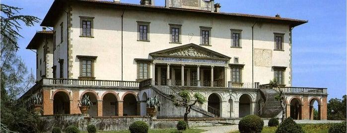 Villa Medicea is one of FIRENZE, LE SUE VILLE E I SUOI GIARDINI.