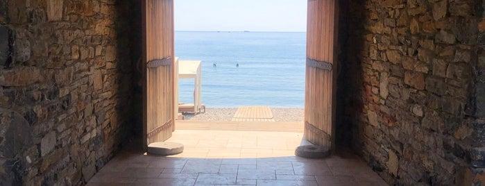 Kargilos Beach & Cafe Bar is one of ***Dat-Yol.