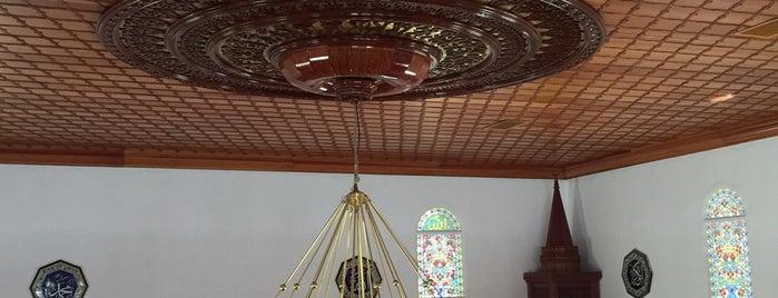 Eşrefzade Camii is one of สถานที่ที่ Işılay ถูกใจ.