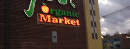 Yes! Organic Market is one of DC.