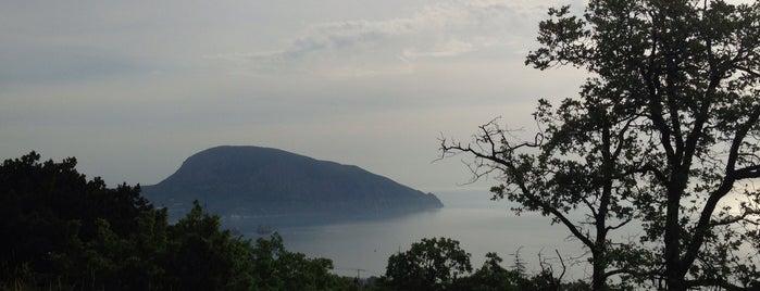 Медведь-гора is one of Крым / Crimea.