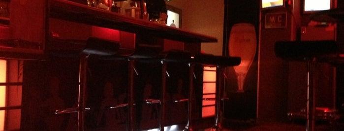 Bar & Club Look is one of Cihan 님이 좋아한 장소.
