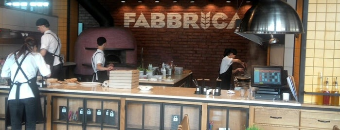 Fabbrica is one of Lugares guardados de Natalia.