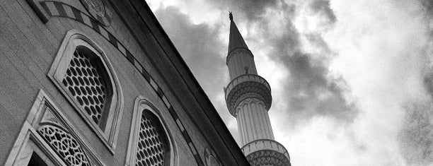 Selçuk Hatun Camii is one of Murat'ın Beğendiği Mekanlar.