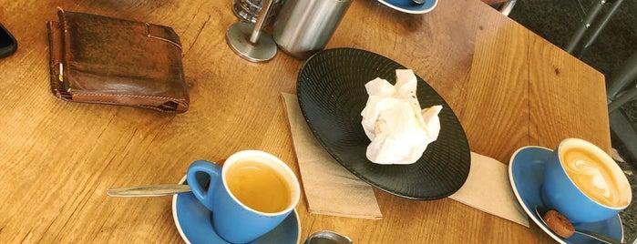 Cafe Nero is one of Locais curtidos por Andrew.