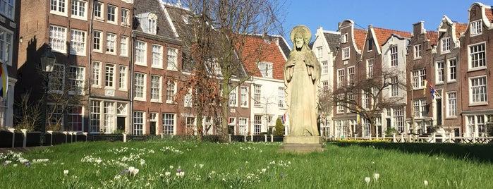 Begijnhof is one of Lugares favoritos de Allan.