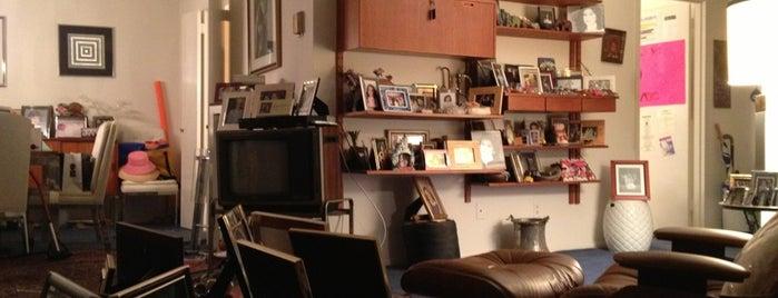 North Park Apartments is one of Locais curtidos por Sunjay.