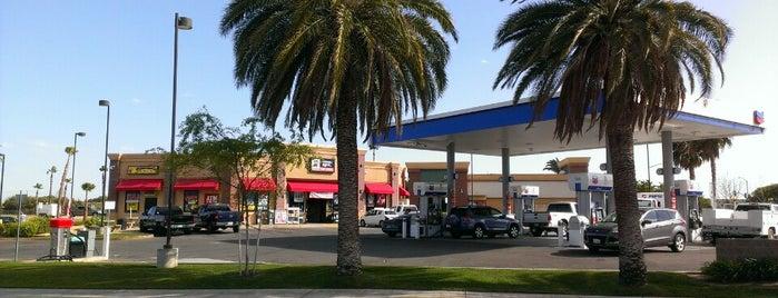 Chevron is one of Lugares favoritos de Kelsey.