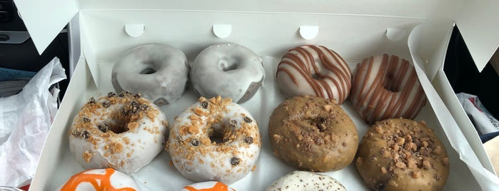 Federal Donuts is one of Locais curtidos por Mike.