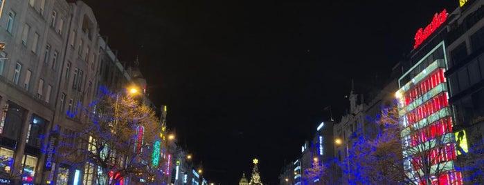 Praha 1 is one of สถานที่ที่ Денис ถูกใจ.