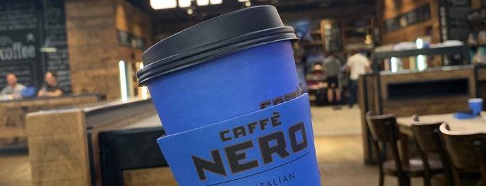 Caffè Nero is one of Janさんのお気に入りスポット.