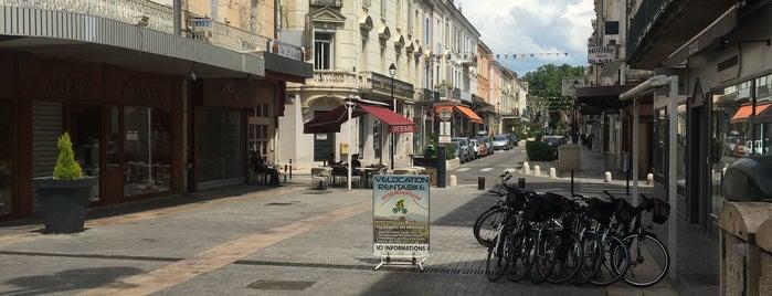 Place de la République is one of Carlosさんのお気に入りスポット.