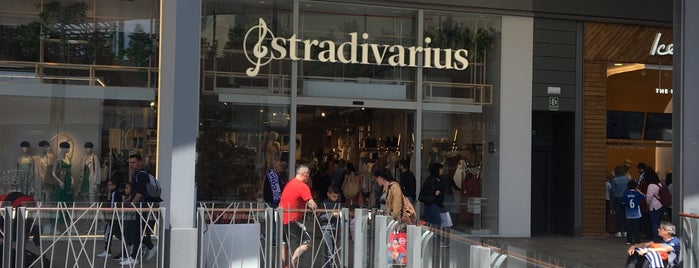 Stradivarius is one of Lieux qui ont plu à Carlos.