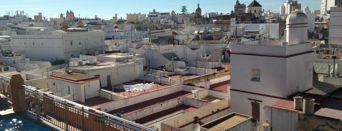 Hotel Senator Cádiz is one of สถานที่ที่ Said ถูกใจ.