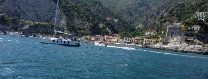 Erchie Beach is one of Orte, die Simone gefallen.