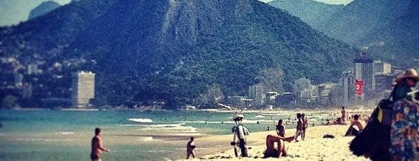 Praia de Ipanema is one of Diversos.