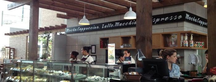 Bule Bar is one of Tempat yang Disukai M.a..