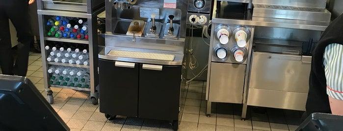 McDonald's is one of Tempat yang Disukai Ivan.