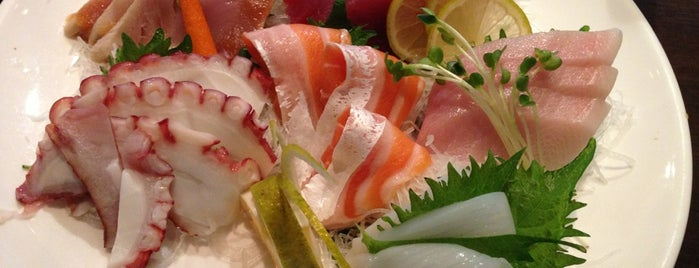 Okura Robata Sushi Bar and Grill is one of Posti che sono piaciuti a Stephen G..