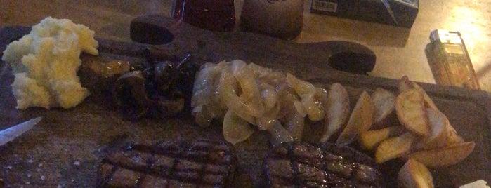 Ethçi Steakhouse is one of Lieux qui ont plu à Mertesacker.