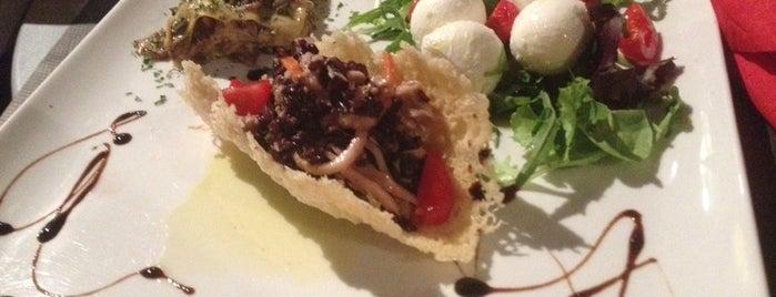 Enoteca Dei Tadi is one of cibo e beveraggi.
