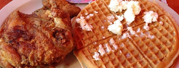 Roscoe's House of Chicken and Waffles is one of Los Angeles to do.