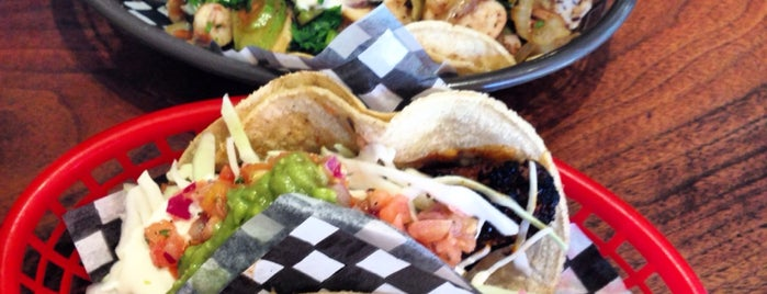 Seven Lives - Tacos y Mariscos is one of Tempat yang Disukai Burce.