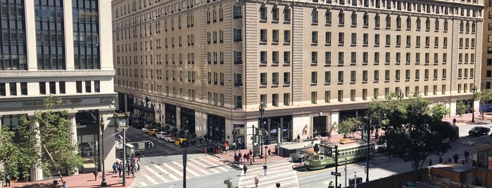 Crocker Galleria Roof Terrace is one of USA: San Francisco.
