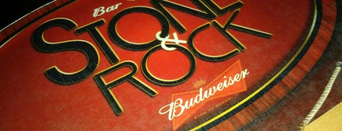 Stone & Rock Bar e Bistro is one of Lieux qui ont plu à Mariana.