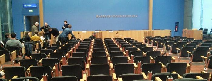 Haus der Bundespressekonferenz is one of Posti che sono piaciuti a Cody.