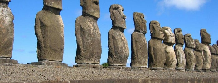 Isla de Pascua is one of Chile.