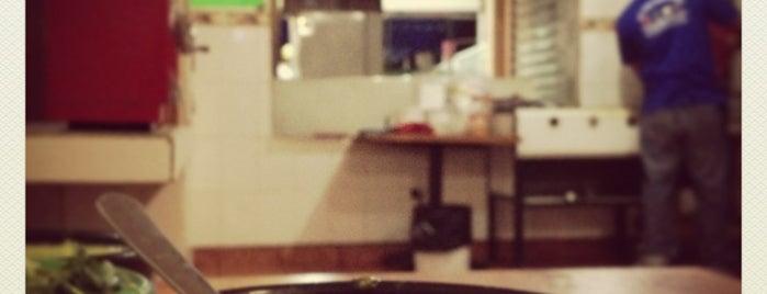 Dany's is one of Tempat yang Disimpan Raquel.